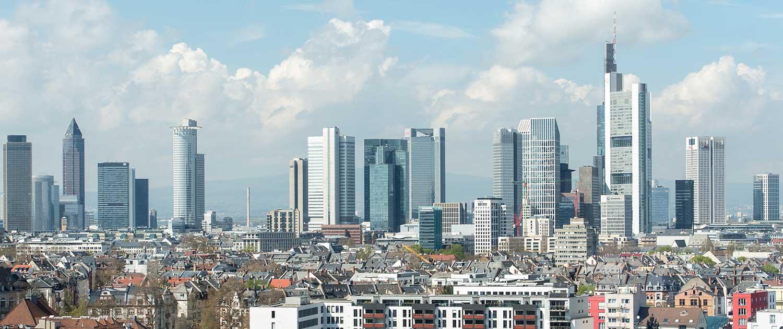 Skyline Frankfurt vom Büro Benefitax Darmstädter Landstraße